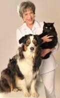 Christine Löwenstein mit Hund und Katze