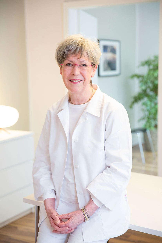Dr. Christine Löwenstein